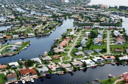first businesses in cape coral