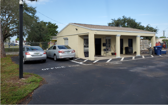 2699 Airport Road, Fort Myers, FL 33907